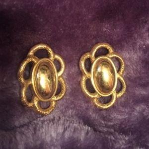 Vintage Gold Oval Flower Earrings